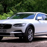 VIDEO: Volvo S90 and V90 Cross Country Review